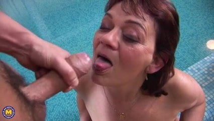 swinger party Mature pool
