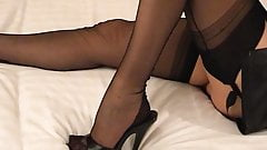Girlfriend's feet in FFN seamed stockings and mules