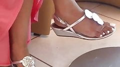 Candid perfect indian feet!