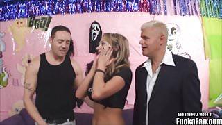 Nikki Sexxx Spooky Halloween Fuck A Fan