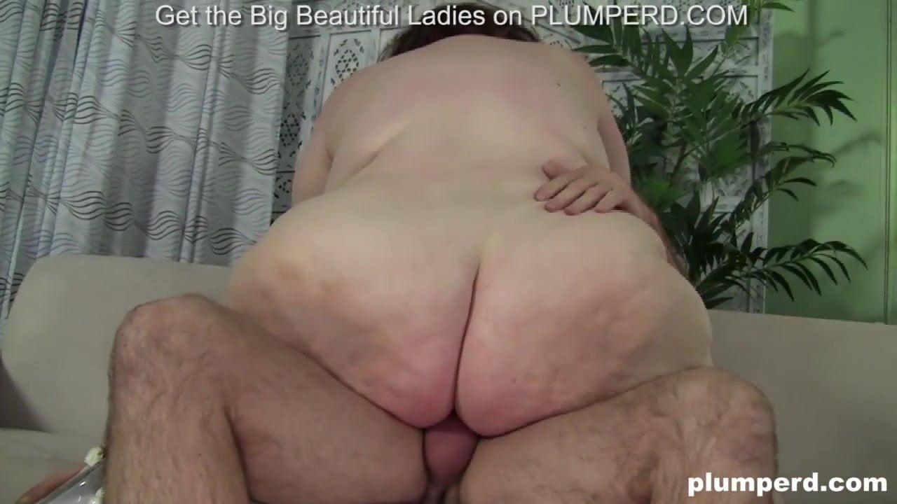 Fette Schlampe liebt Arsch lecken, harten Schwanz und starke Rückschläge