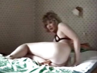 Great mom masturbation caught by hidden cam