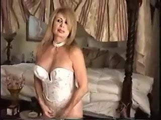 Free download & watch sexy mature women           porn movies