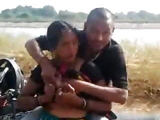 Desi Bhabhi Giving Blowjob & Fucked Doggy on Bike Outdoor