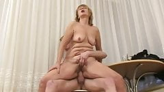 Mature cougar enjoys sex by troc