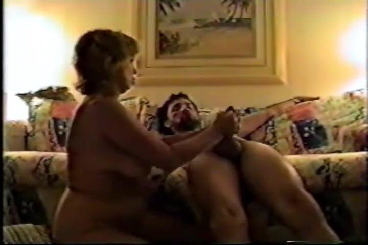 starushka-muzh-ebet-zhenu-protiv-voli-video-porno-popalas