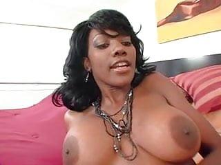 Black Lesbians Nyomi Banxxx & Taylor Starr (305)