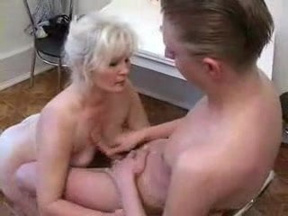 Free download & watch granny          porn movies
