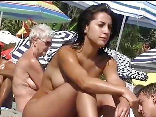 Home D20 - Hot nudist girl atthe beach