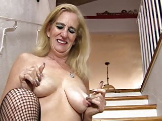 (2) GILF on her own