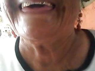 Abuela Rosa me agarra la verga