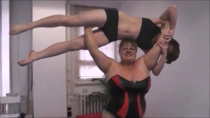 female wrestling anna konda beat dominate and lift a