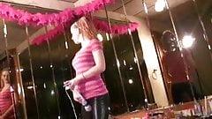 do anybody learn how dance contact me Trisha Annabelle e-mai