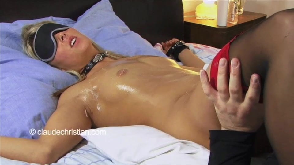 Lesbian Tied Up Strapon