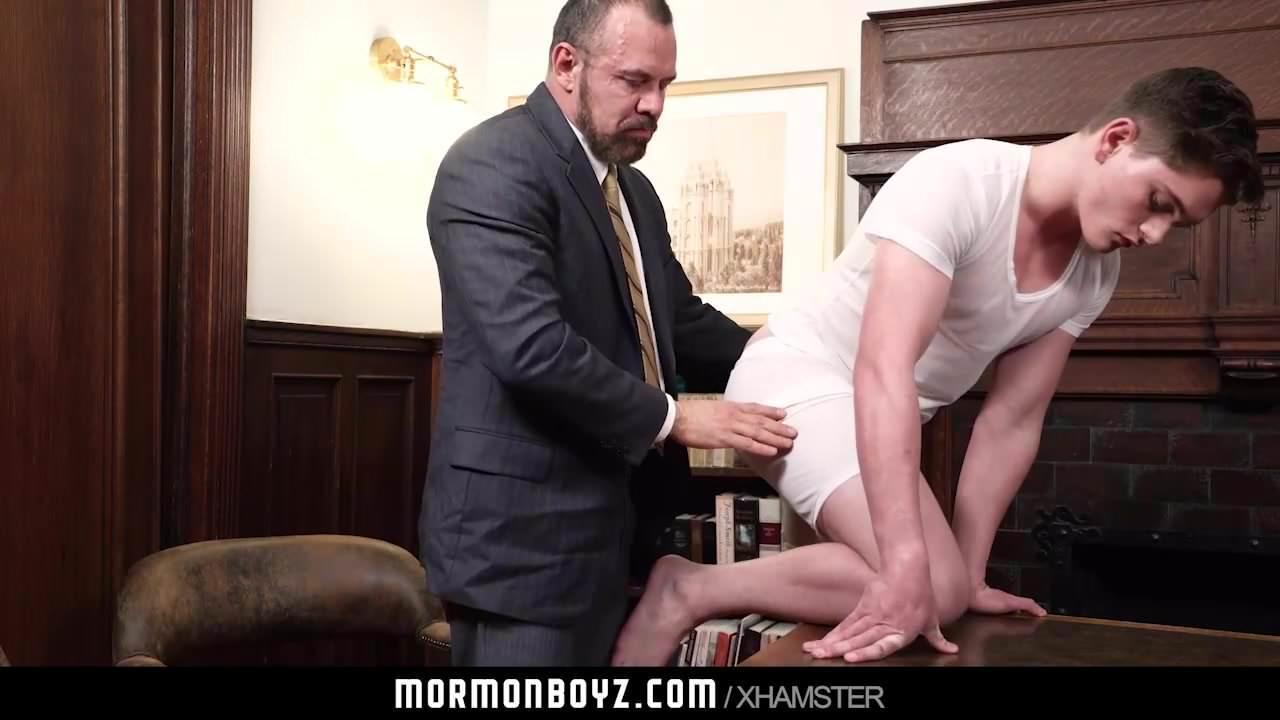MormonBoyz – Mormon Teen Barebacked By Bear Daddy