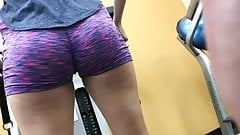 Nice Round College Ass At Golds (HD) 08-30-17