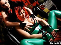 Gorgeous Goddesses RubberDoll & Shae Fatale Fuck In Latex!'s Thumb