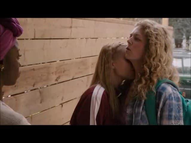 Workin Moms S2E9 Lesbian Scene Aviva Mongillo Juno-3791