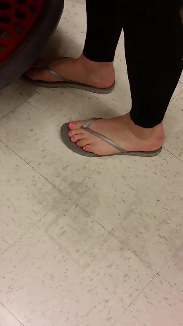 Cinco With Milf Yoga Pants Pretty Face Fresh Toes Porn 40-3590