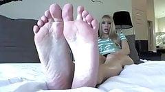 mistress feet joi