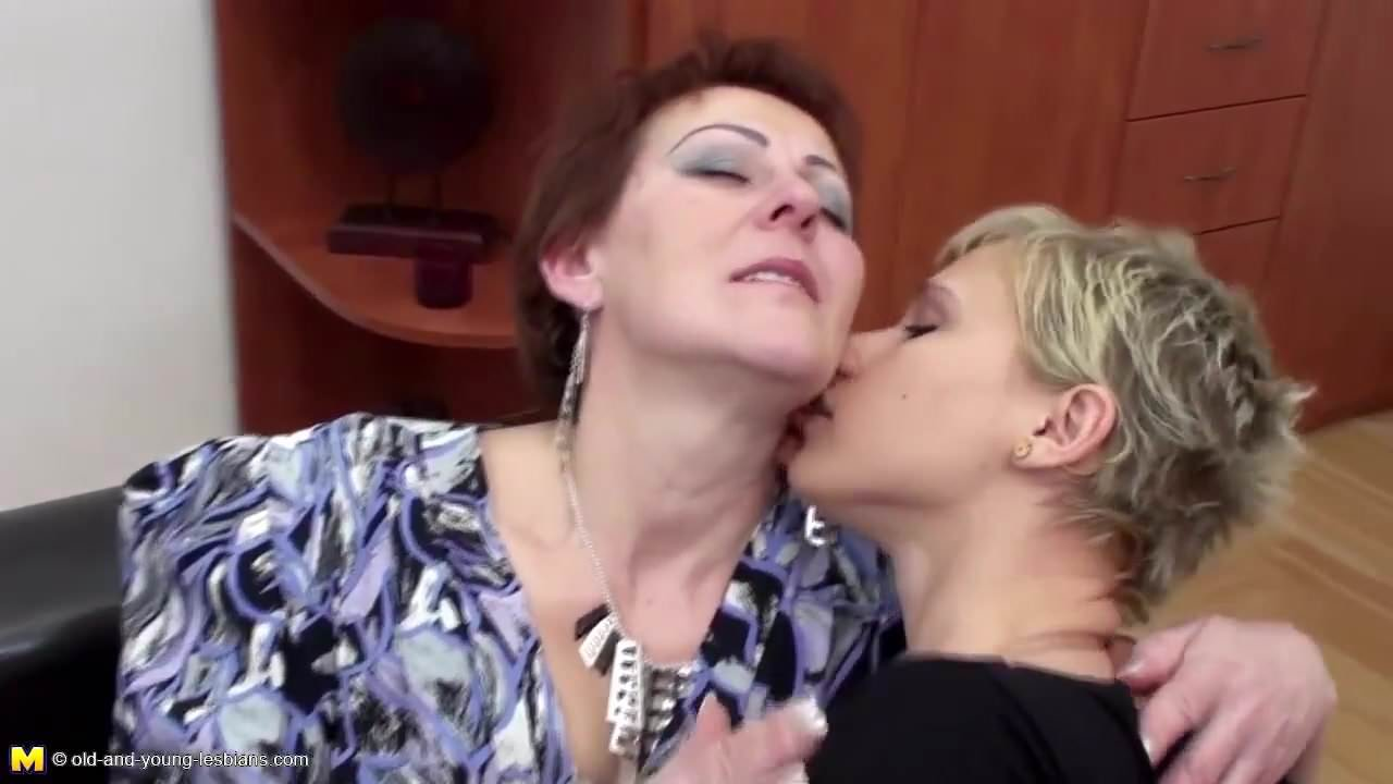 Old And Young Lesbian Family Piss After Sex Free Porn E0-6245