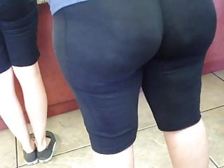 BIG BOOTY WHITE COUGAR
