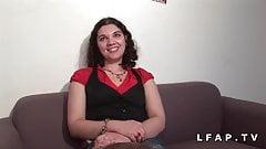 Jeune petite francaise sodomisee pour son casting amateur
