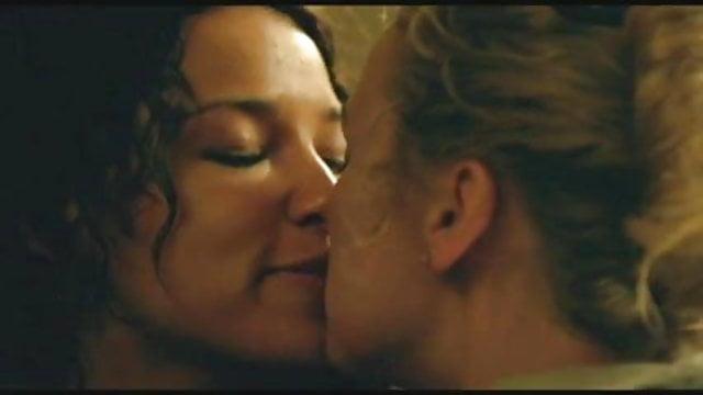Heather Graham scena di sesso lesbico