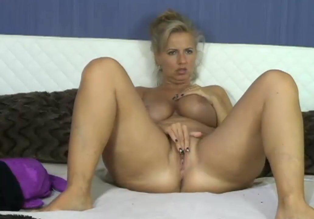 Webcam hardcore: squirtimg milf