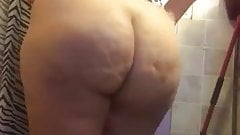 Mexican gilf looking like a slut for me
