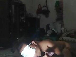 Download video bokep Sponge hisap tutup mata pakai masker Mp4 terbaru