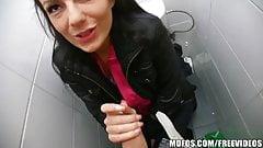 Mofos - Gimme a Peek!