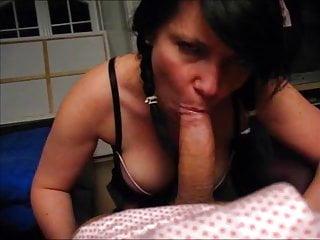Dralle Kathy lutscht Gast