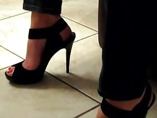 Sexy feet in high heels pictures - Sexy feet in high heels 3