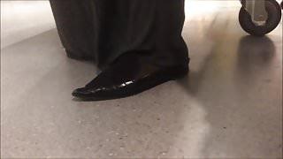 Shoe Fetish - Foot Following Fat Muslima in Big Pointy Flats