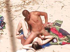 Amateur Handjob on the Beach with big Cumshot