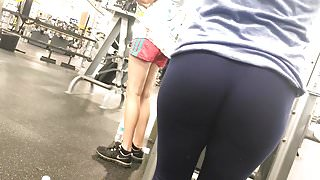 Excellente Ass At Golds (HD) 08-30-17