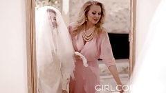 Stepmom Julia Ann Confesses Love Before Daughter's Wedding