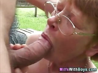 Old slut fucks - Old slut outside fuck