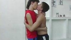 La seance de Gym tourne a la baise entre mecs