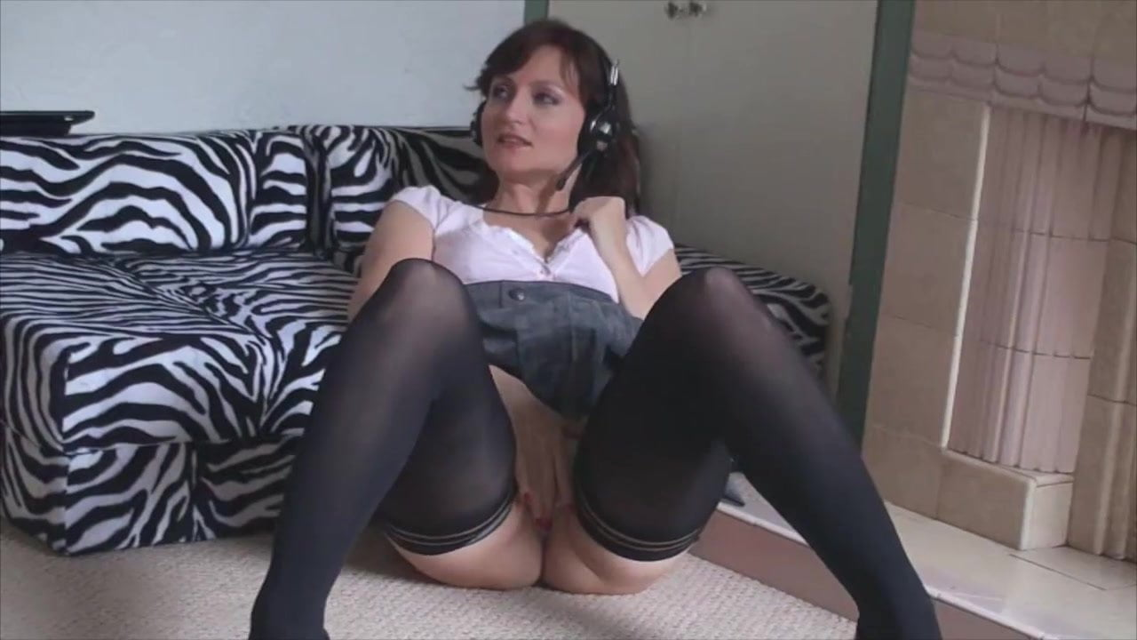 image Kirsty blue playing part1