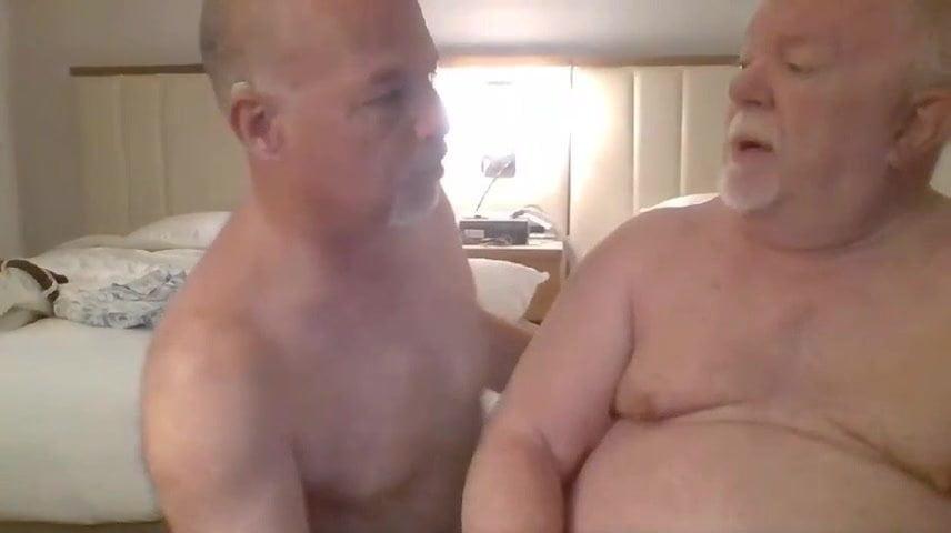 Daddies play on cam