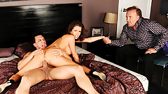 Hubby Watches Wife Veronica Avluv Squirt's Thumb