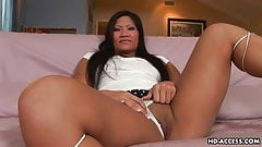 Asian hooker working the dudes