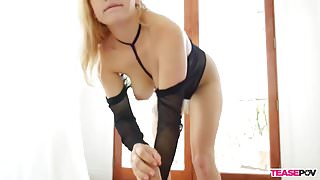 Blonde bimbo POV blowjob