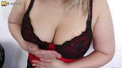Mature aunty with hungry vagina
