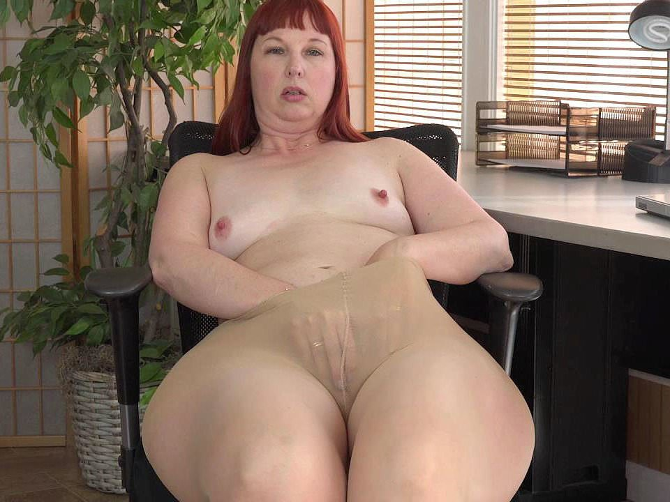 Thunder thighs milf photos