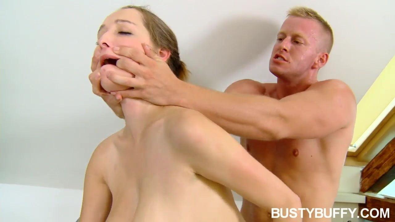 pezhnya-net-podsmotrennie-podlovlennie-telki-seks-izbienie-bab