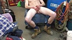 Str8 mechanic daddy cum on his boot
