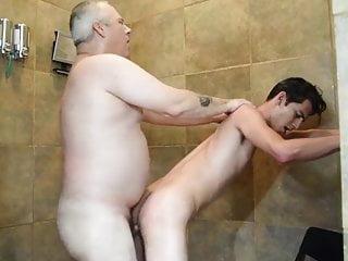 Download video bokep Daddy JP shower fuck Mp4 terbaru